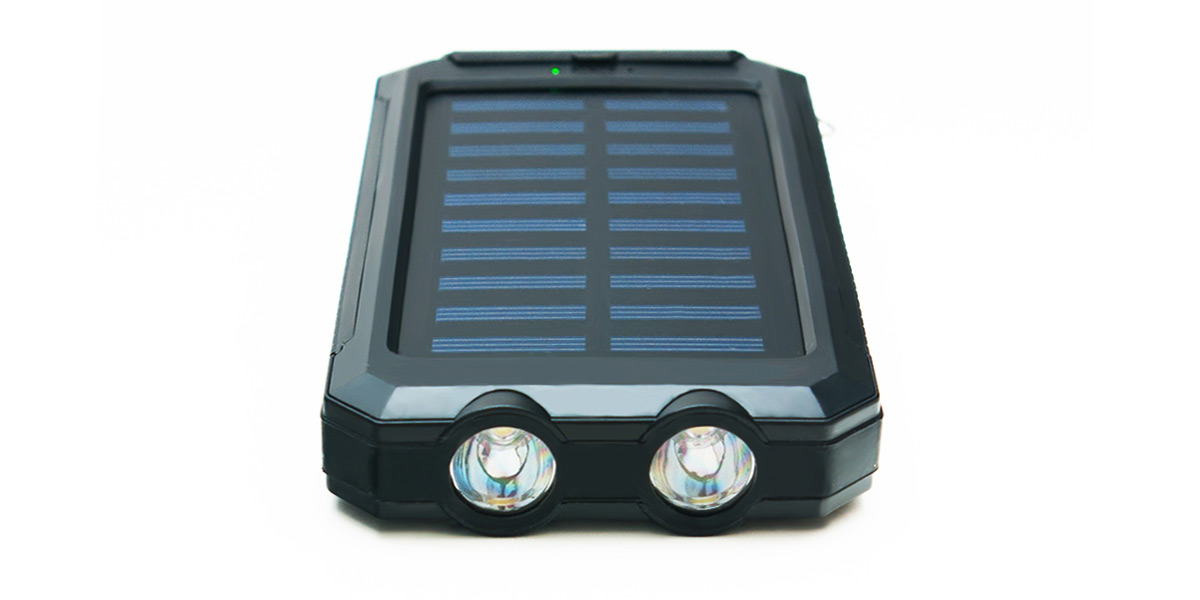 quazar_q-solar-cell-powerbank_outdoor-power-bank_led-lampakkal_quazar-hu.jpg